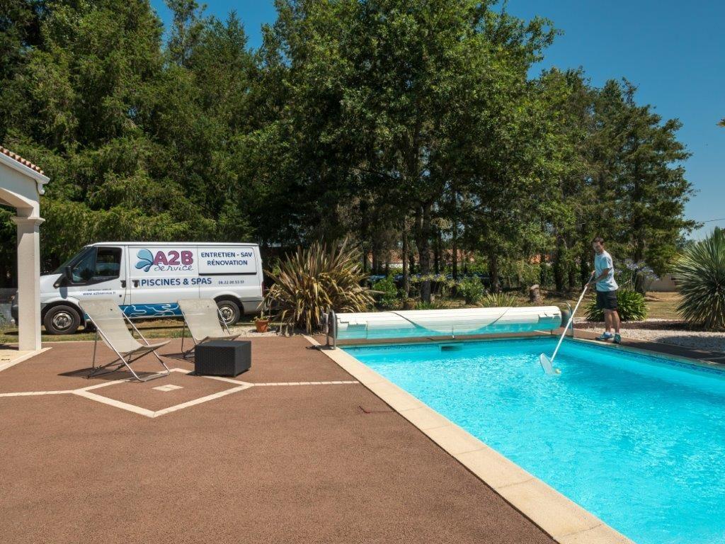 entreprise entretien piscine